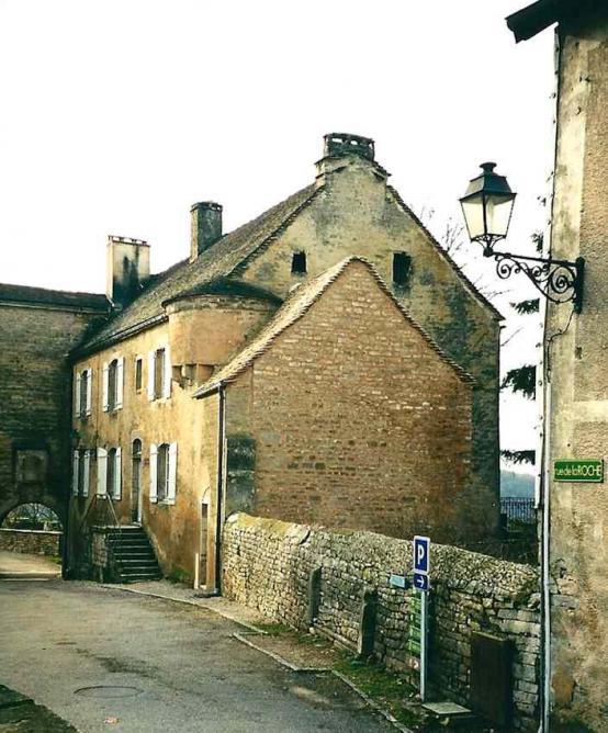 Château-Chalon, le Froid Pignon supposé l'hôtellerie de l'Abbaye