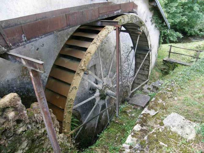 Vieux moulin à Ladoye sur Seille